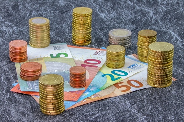 money-3918283_640.jpg